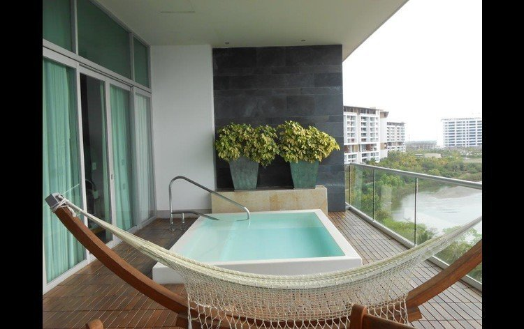 Grand Luxxe Private Infinity Pool